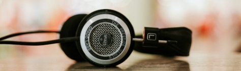 headphones table