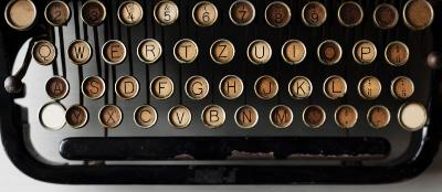 antique typewriter 400x